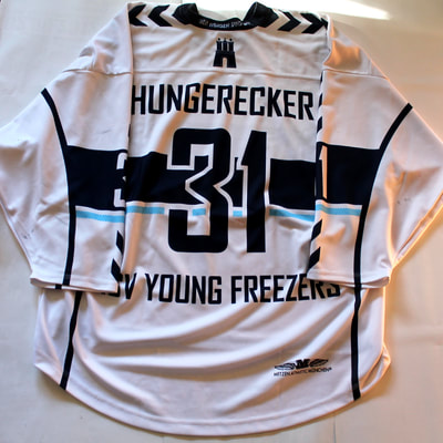 Game Worn Eishockey Trikot der Hamburg Young Freezers von Leon Hungerecker - Rückseite