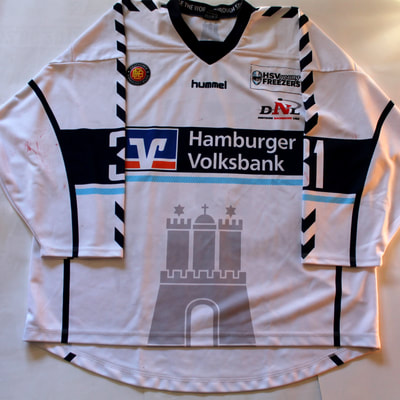 Game Worn Eishockey Trikot der Hamburg Young Freezers von Leon Hungerecker - Vorderseite